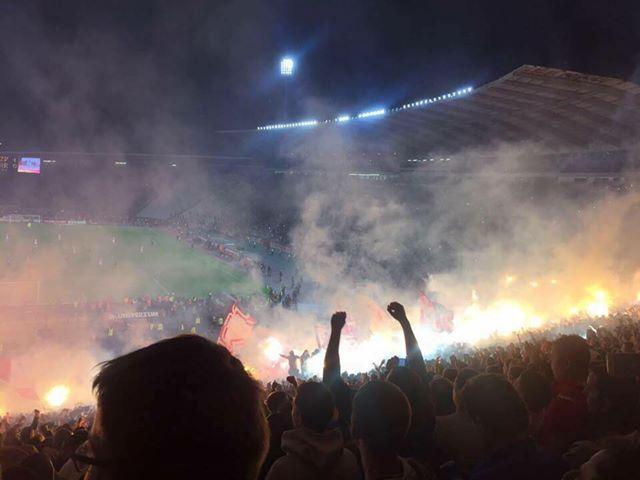 Fußball Wetten spielen im Stadion eine immer größere Rolle und immer mehr Menschen interessieren sich für Sportwetten.