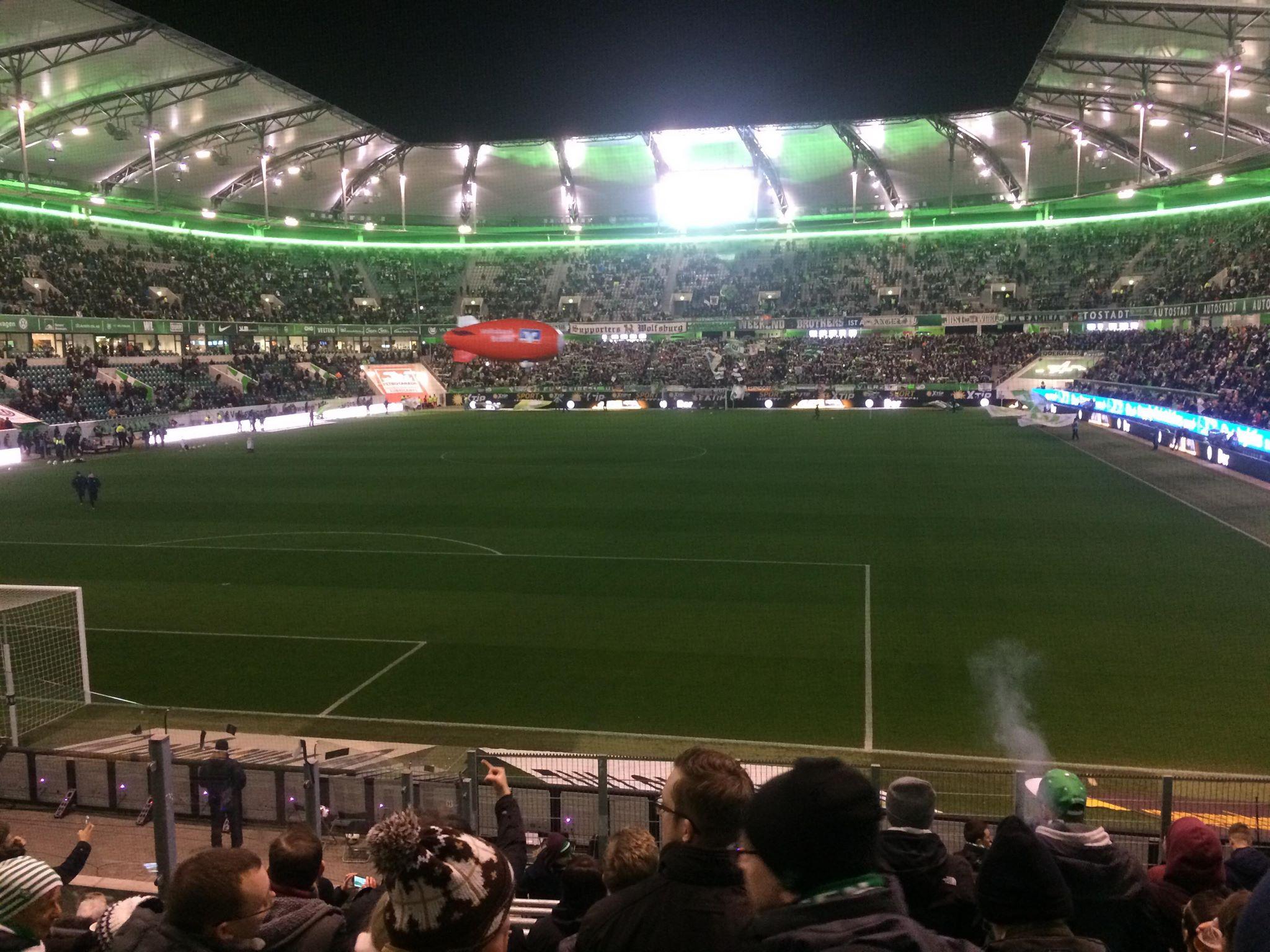 Als Profi für Wetten bzw. Wettprofi bist du viel unterwegs und kannst Fußballspiele häufig direkt im Stadion live verfolgen.