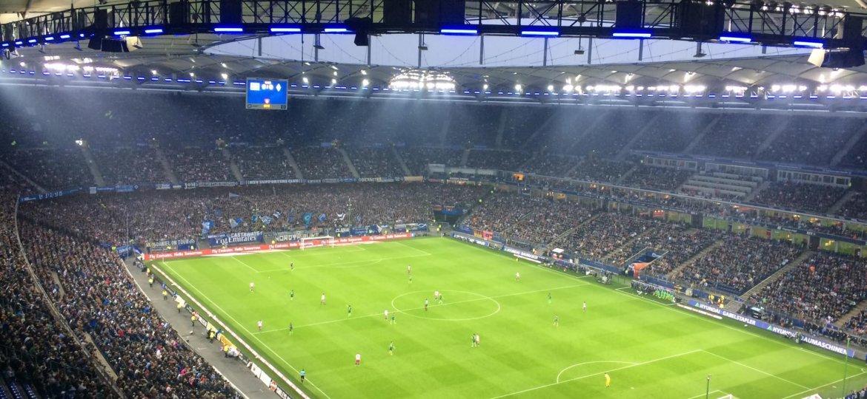 Ein Sportwetten Experte hat sehr häufig die Möglichkeit Fußballspiele live im Stadion zu verfolgen. Werde auch du zum Profi für Fußball Wetten.